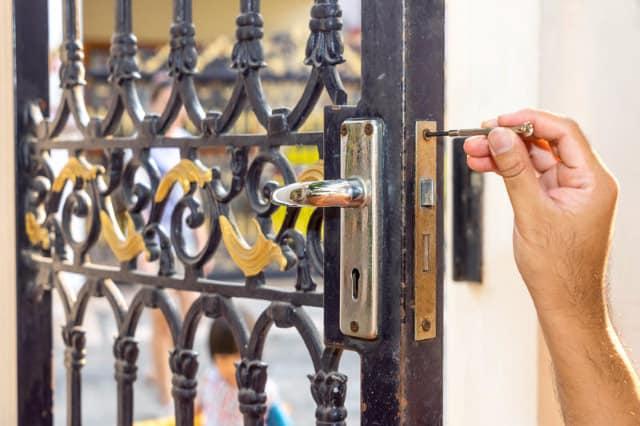 vinyl fence gate locks Houston